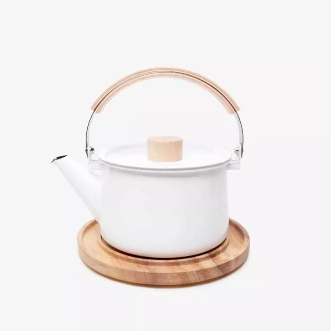Kaico Enamel Kettle: Japanese White Enamel Cookware