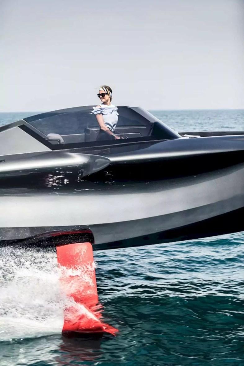 FOILER Boat 4
