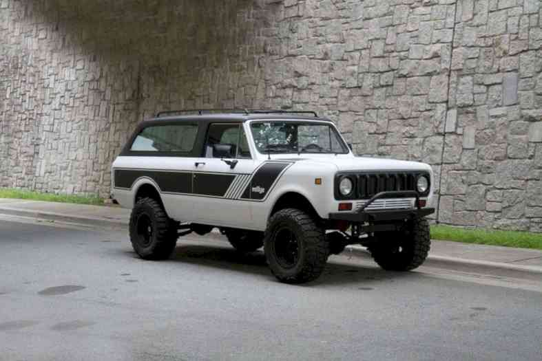 Motorcar Studio 1976 International Scout Traveler 7