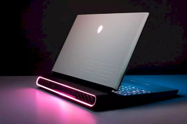 New Alienware Area 51m Gaming Laptop 10