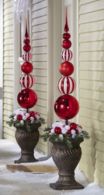 Outdoor Christmas Decorating Ideas & Outdoor Christmas Decorating Ideas - Design On Vine