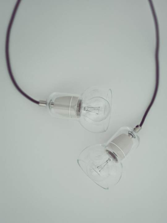 Bulb Sr 1 clear black cord &tradition