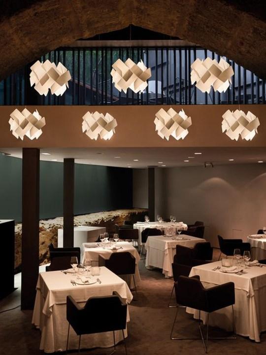 Restaurant Beleuchtung Furnierholz LZF Escape Designort Berlin