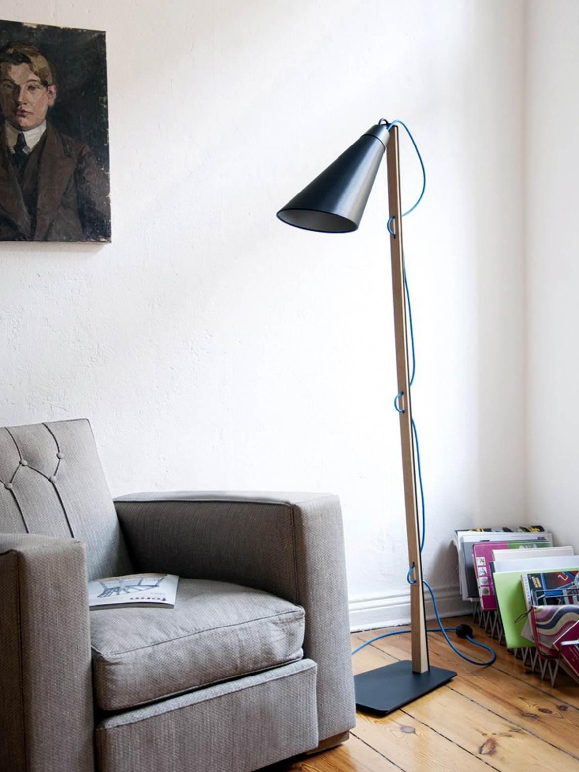 Designerleuchten von Domus Stehleuchte PIT DesignOrt Berlin