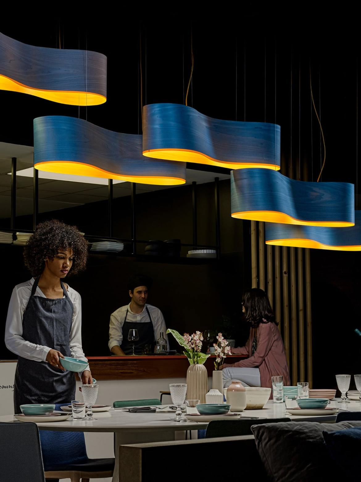 DesignOrt Blog: Faszination Farbe: Holzfurnier von LZF Lamps New Wave LED Leuchte in Blau