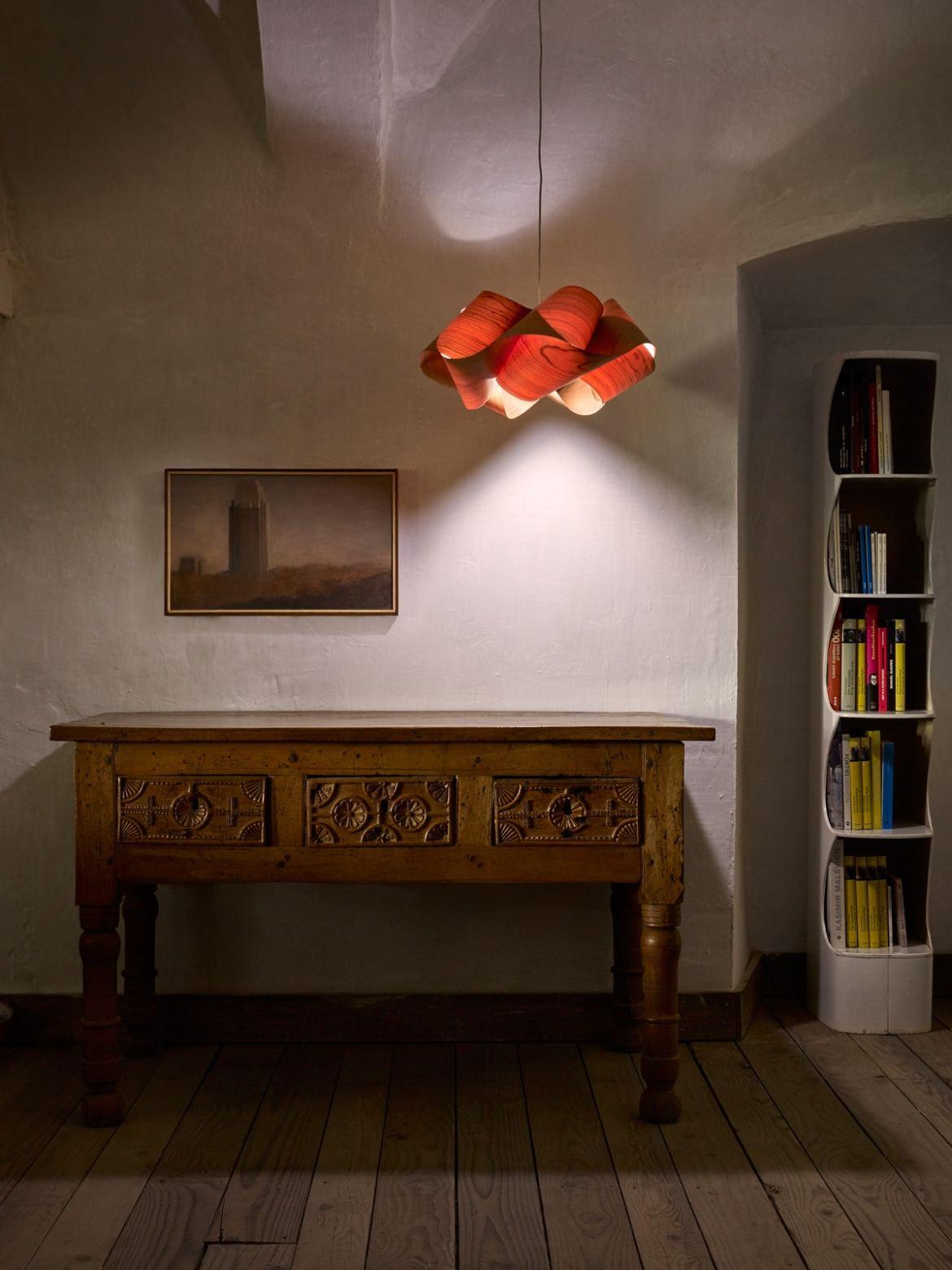 DesignOrt Blog: Trend: Farbverlauf Swirl LZF Leuchte