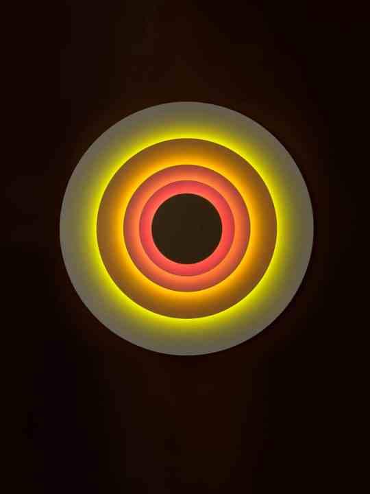 Wandleuchte Concentric Concentric Front im Dunklen