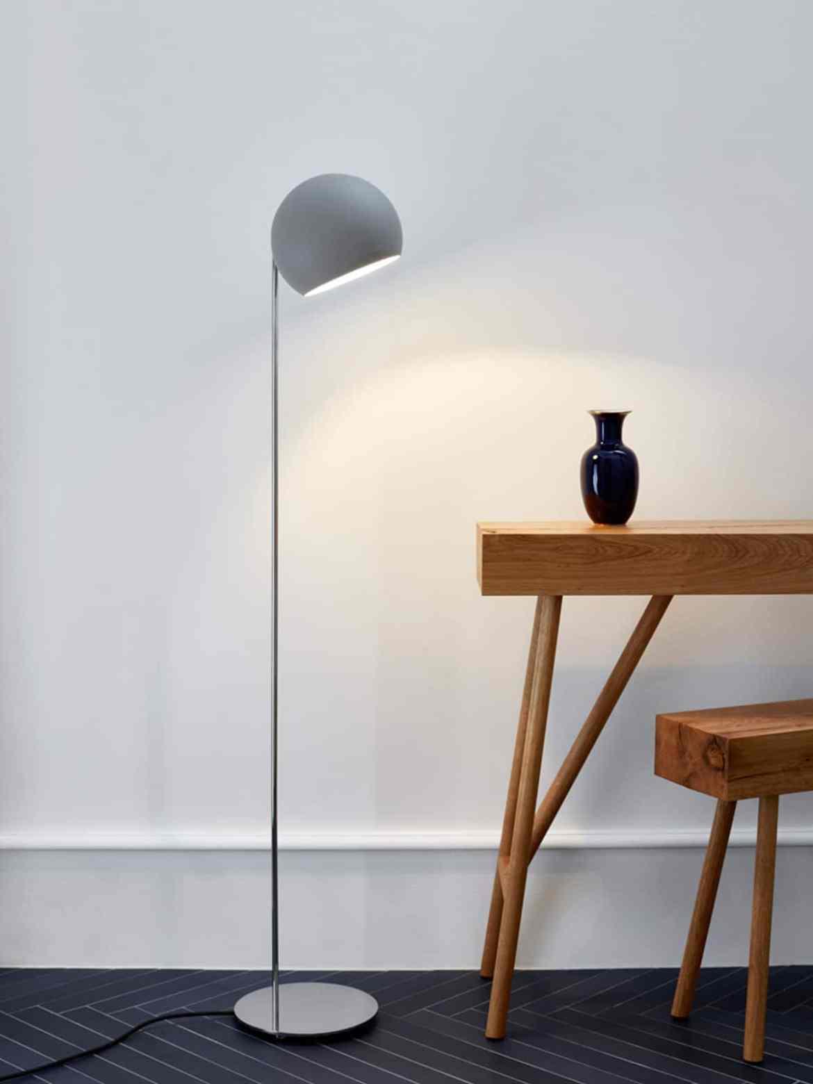 neue Leuchten & Lampen bei DesignOrt- Globe in Grau von NYTA