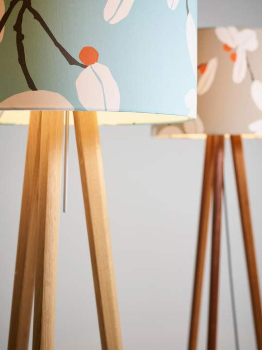 Stehleuchten Sten Flower Aqua und Sahara von Domus online kaufen bei DesignOrt Berlin