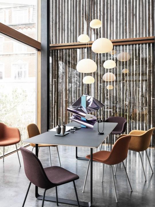 Glaslampe Fluid von Muuto bei DesignOrt Berlin
