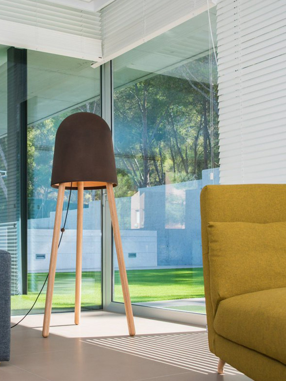 DesignOrt Blog: Designer im Portrait: Raúl Lauri Zaji Stehlampe