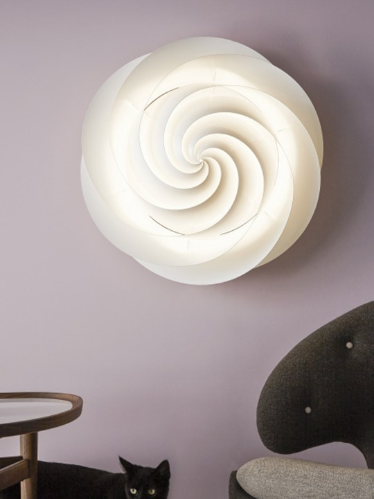 Le Klint Swirl Wandlampe oder Deckenlampe