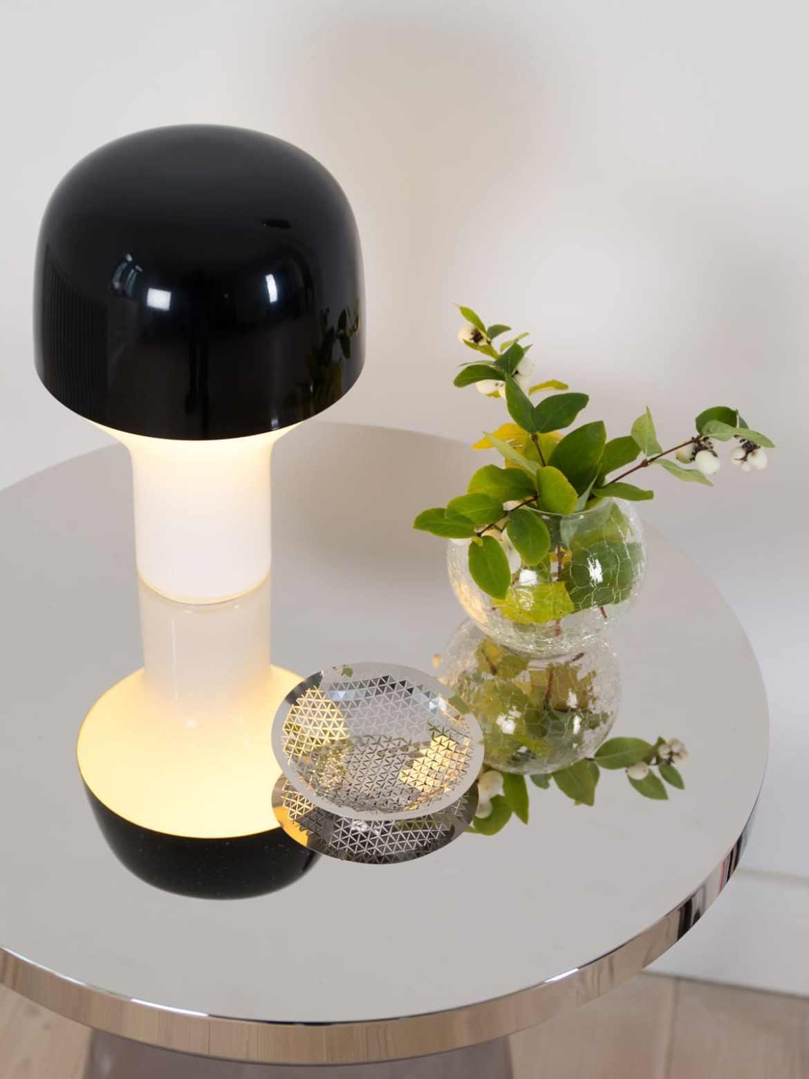 DesignOrt Blog: Designerleuchten in Schwarz-Weiß Tischlampe Cap TEO Europe