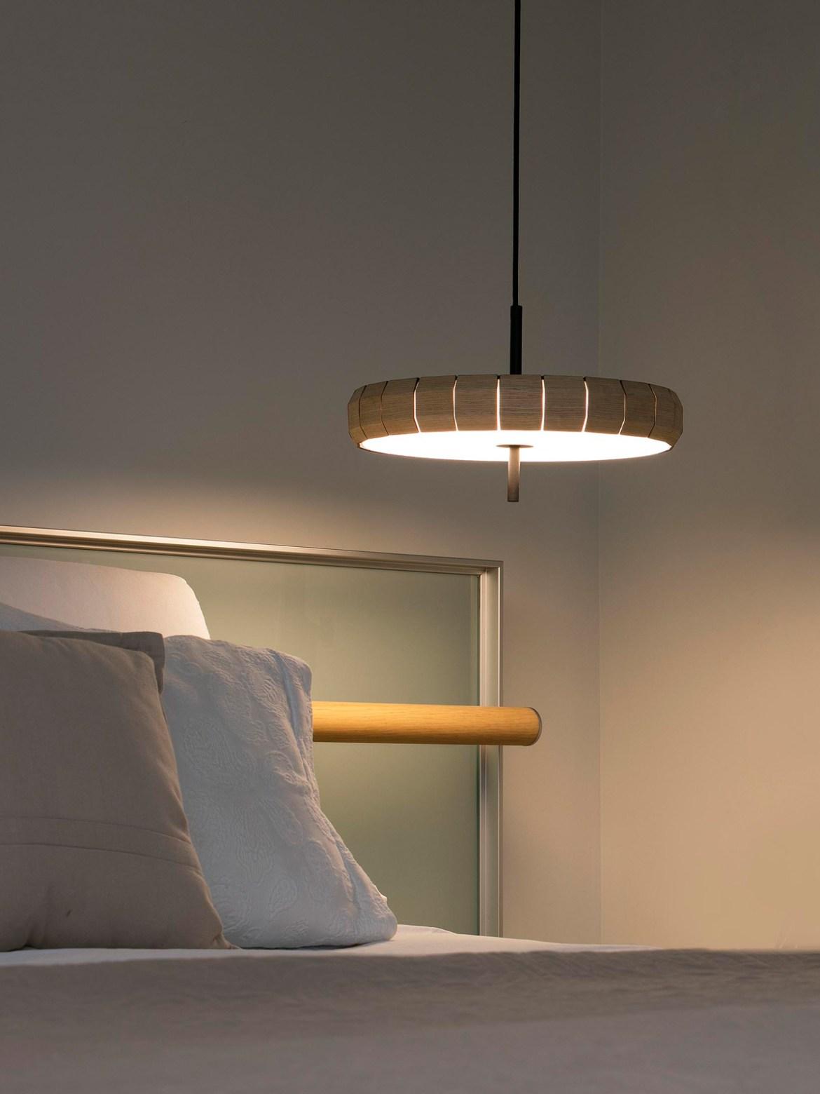 DesignOrt Blog: Designer im Portrait: Nahtrang spanische LED Lampe Phill Faro