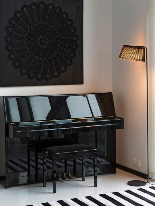 Stehlampe Owalo als Klavierlampe
