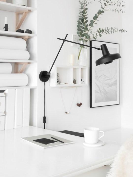 Wand Leuchte Arigato Wall Grupa Products Schwarz oder Weiß