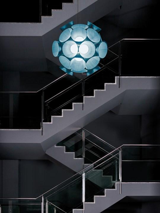 LED Pendelleuchte Dandelion von LZF in Blau