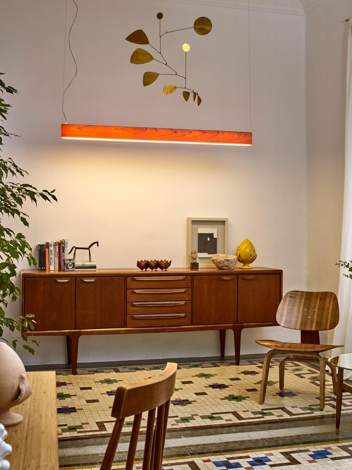 DesignOrt Blog: lange Pendelleuchten I-Club Slim LED Holzleuchte von LZF