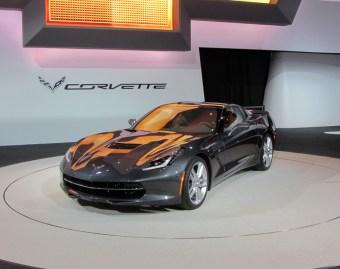 01- CorvetteC7-1