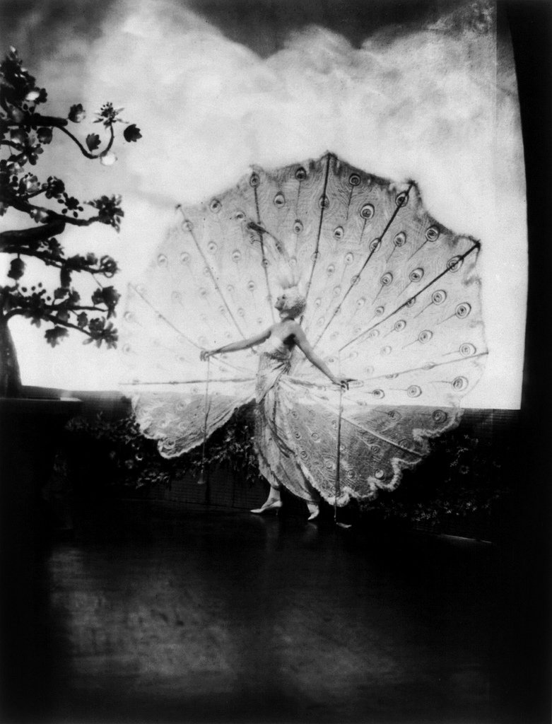 Dolores, Ziegfeld girl, by Alfred Cheney Johnston, 3