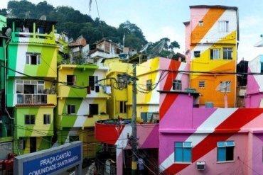 Favela Painting su Design Playground
