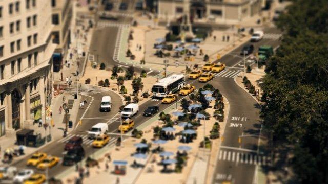 The-Sandpit---Un-giorno-a-New-York-city,-in-miniatura.-Sam-O'Hare