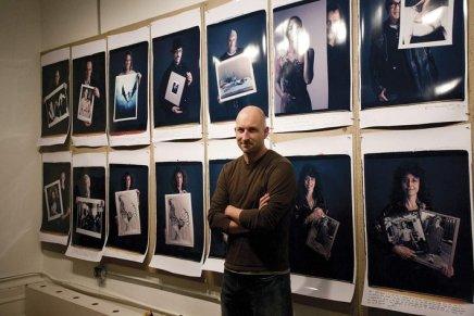 Behind Photographs, Tim Mantoani