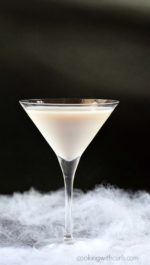 Liquefied-Ghost-Martini-cookingwithcurls.com_