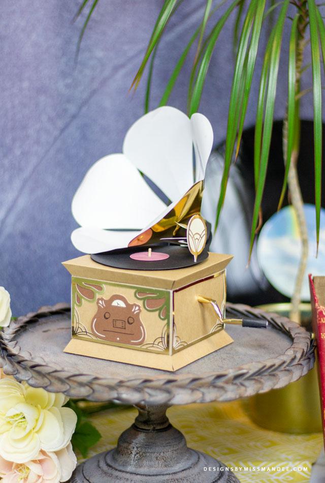 Retro Paper Gramophone