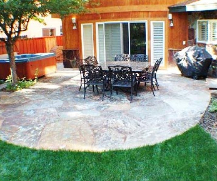 slate-backyard-patio-ideas-2