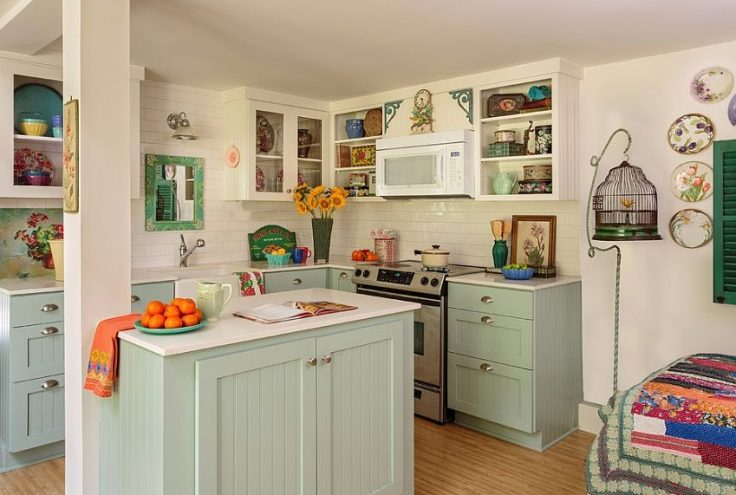 A relaxing shabby chic kitchen with a feminine vibe