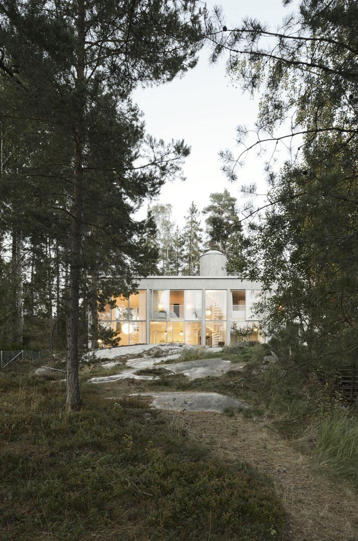 6_Six_Walls_House_Saltsjo_Boo_Sweden_Arrhov_Frick_Arkitektkontor_Photo_Mikael_Olsson_yatzer