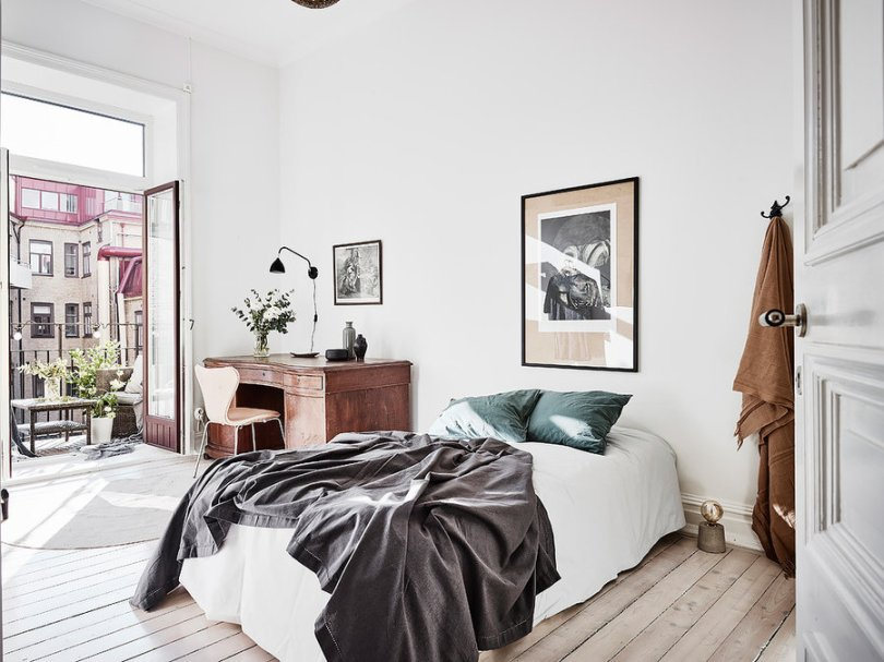 Scandinavian bedroom decorated with Indoor plants