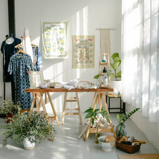 Why Linen Clothing is a Summer Staple For Women