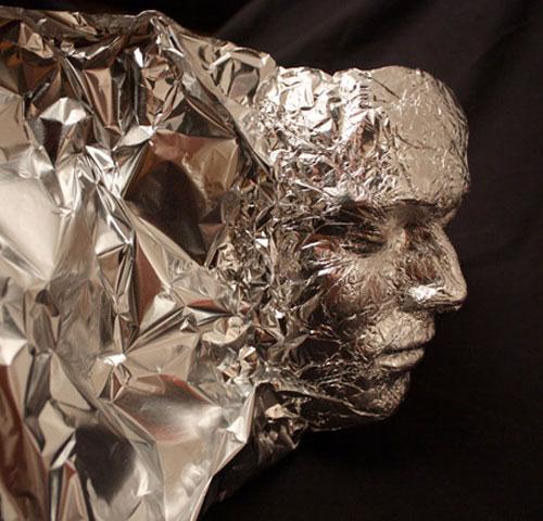 Aluminiumfolie kunst door Dominic Wilcox 5