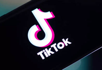 India bans TikTok, WeChat and dozens of Chinese apps