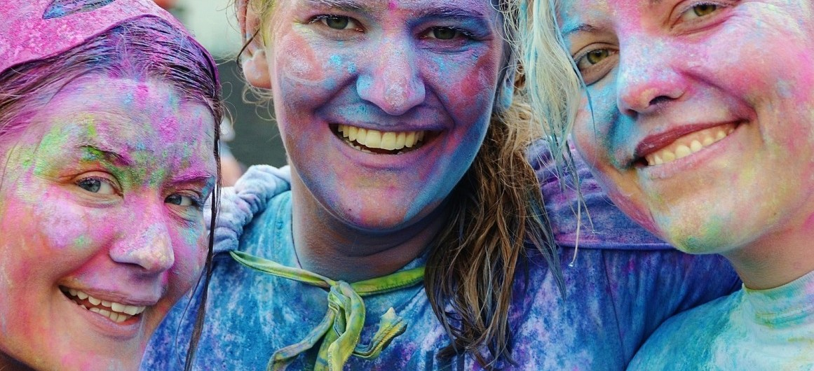 How to Protect Your Skin and Hair from Holi Colors.