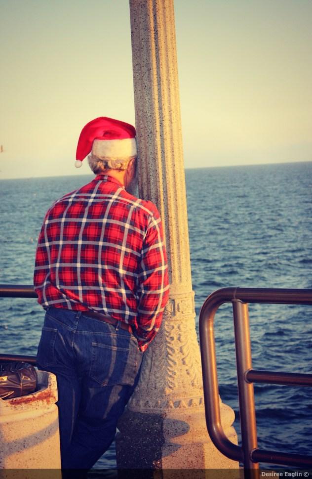 santa, christmas, christmas eve, huntington beach, huntington beach pier