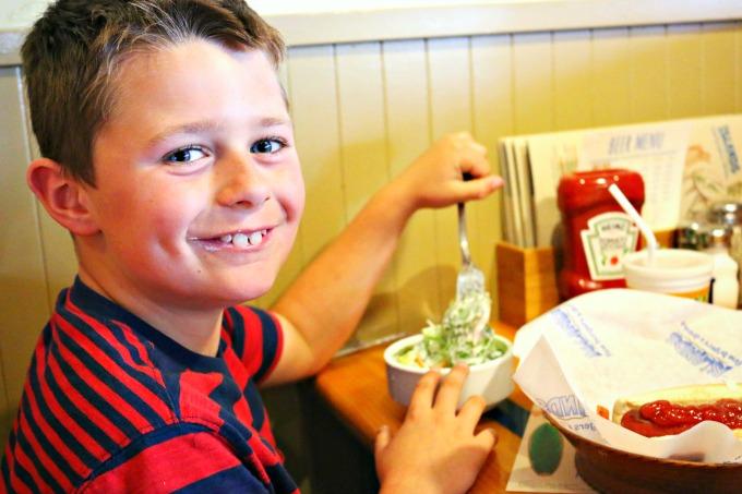 Islands-Restaurant-Kids-Salad