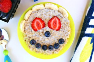 Learning Lessons From My Toddler & Funny-Face Breakfast Oatmeal Recipe