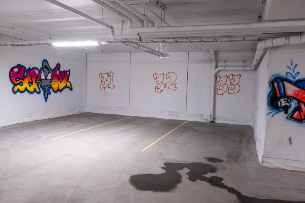 parking house, grafitti, Beitostølen, riddertunet