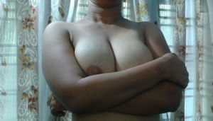 huge tits curvy indian babe