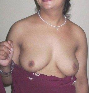 big naked boobs aunty