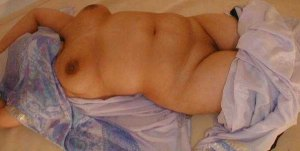 milky naked aunty boobs desi