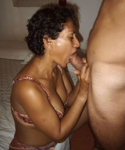 nasty bhabhi suck big cock