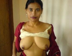 bhabhi horny boobs xx