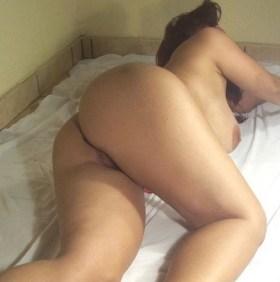 busty babe naked horny