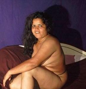 desi bhabhi hot pose xx