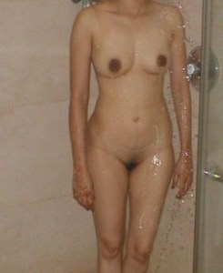naked pussy horny babe