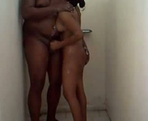 Desi Indian Couple bathroom wet handjob